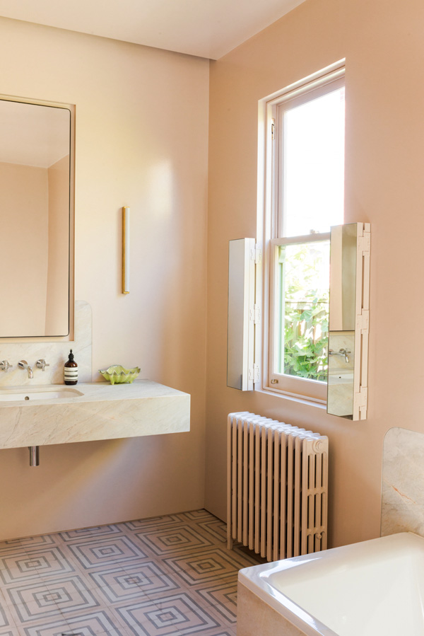 Anna charlesworth peter stephens and family the design Peach bathroom