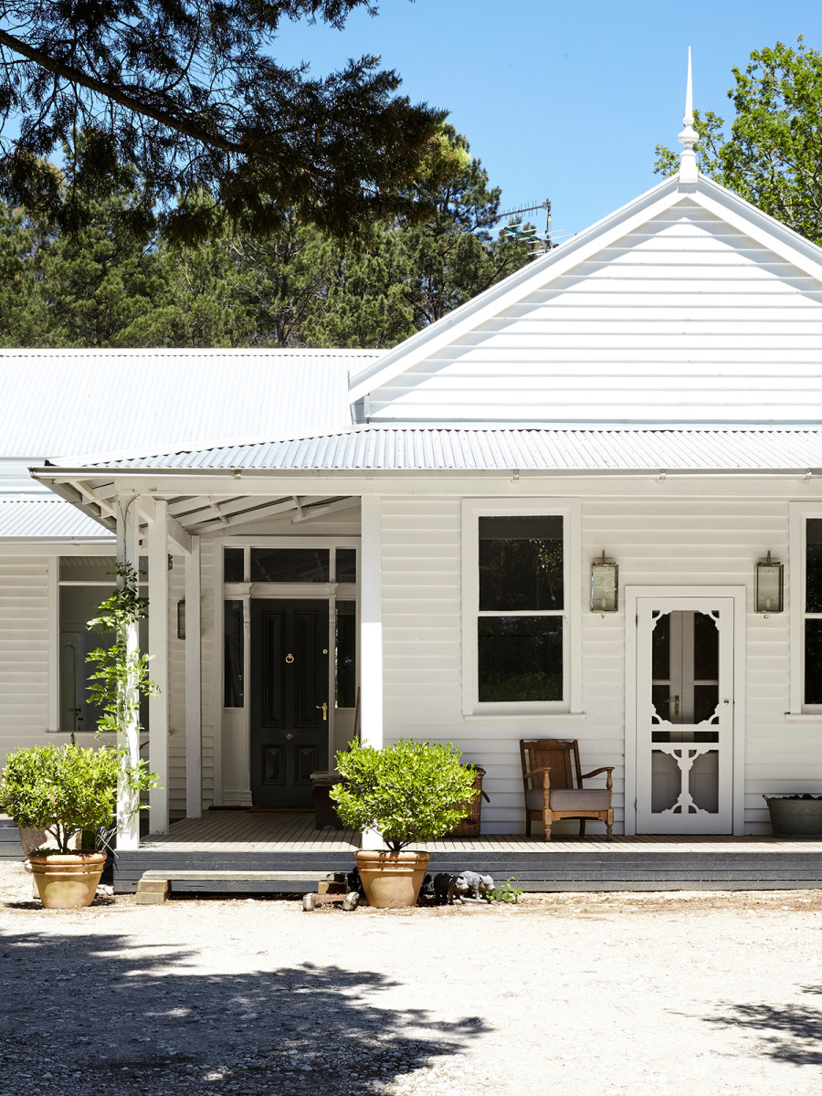 Natasha morgan and family the design files australia 39 s for Weatherboard house designs